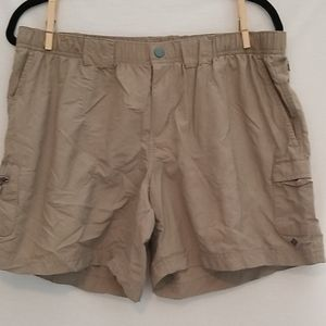 Women's Columbia lightweight shorts sz L